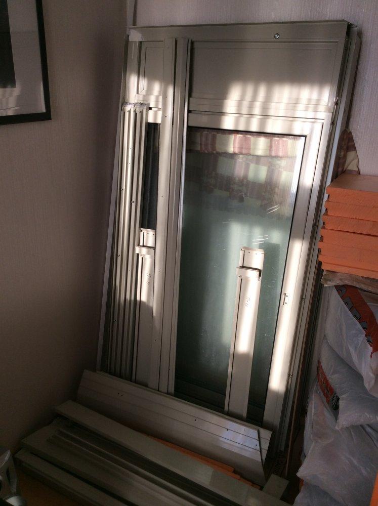 Продам демонтированные окна с лоджии дома д-25 - щитниково, .